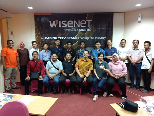 Product Training and Announce Wisenet for Dealers